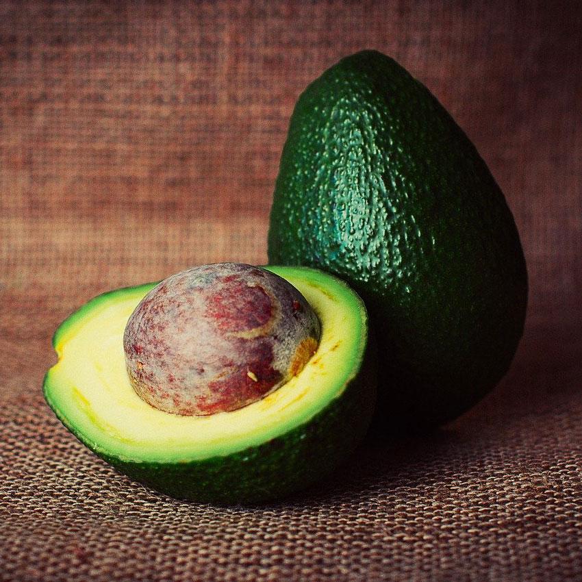Avocado mit Kern